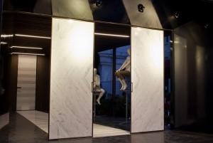 Stand Marble Weeks_Carrara_2